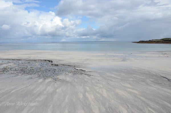 © Anne Wicks – Kilmurvey Beach, Inismor, Ireland